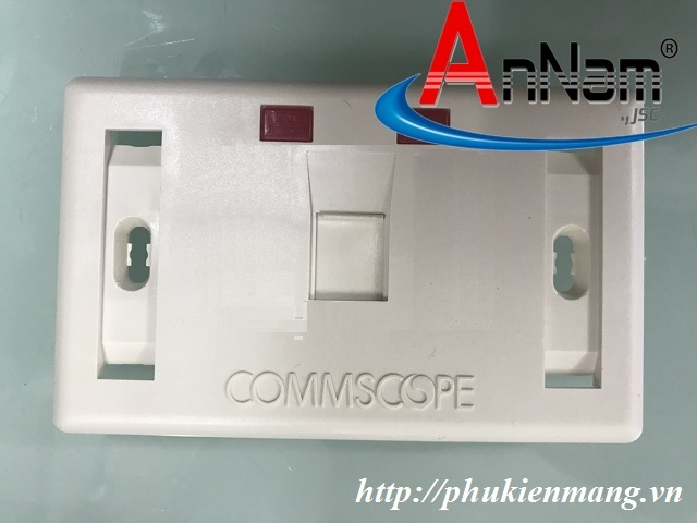 faceplate-mat-na-outlet-o-cam-chu-nhat-commscope-1-cong
