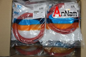 cap-nhay-utp-cat6-1,5m-5-feet-1859249-5-ampcommscope-mau-do (4)
